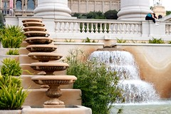 Relaxing one (GenomicDani) Tags: barcelona fountain architecture composition canon eos spain arquitectura agua fuente montjuic composición 500d