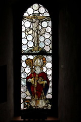 Kirchenfenster der Schlosskapelle Oberhofen ( Kapelle - Kirche - Church - Eglise - Chiesa ) im Schloss Oberhofen ( Chteau - Castle ) in Oberhofen am T.hunersee im Berner Oberland im Kanton Bern der Schweiz (chrchr_75) Tags: chriguhurnibluemailch christoph hurni schweiz suisse switzerland svizzera suissa swiss chrchr chrchr75 chrigu chriguhurni mai 2015 hurni150524 kantonbern albumregionthunhochformat hochformat thunhochformat albumkirchenundkapellenimkantonbern kirche chiuche church iglesia kirke kirkko  chiesa  kerk koci igreja  eglise albumzzz201505mai schloss chteau castle schlosskantonbern kirchenfenster albumkirchenfensterderschweiz glasmalerei glise temple albumschweizerschlsserburgenundruinen schlossoberhofen albumschlossoberhofen oberhofen berner oberland castello kanton bern