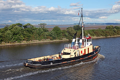 'MSC Viking' Eastham 30th July 2016 (John Eyres) Tags: msc viking leaving her berth eastham attend tanker shifting berths stanlow 300716 manchestershipcanal tug carmet