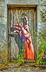 Graffitydoor (Grenzland-Foto) Tags: graffity