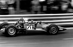 FORMULA SEAT 1430 Montjuic 1973 (Manolo Serrano Caso) Tags: selexformulaseat14301973circuitodemontjuiccurvadelafontdelgatcamaraasahipentaxspotmaticobjetivoyashinon1352 8 formula seat 1430 montjuic 1973
