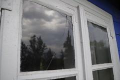 F._IMG0403 (2) (Micha Olesiski) Tags: polska poland skansen openairmuseum owickie maurzyce monuments wie village okno window pknicie crackwindow