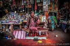 Kali Temple (laiavinas.bcn) Tags: kali kalitemple kolkata calcuta india asia sacrificio sangre destruccin ofrenda rojo red rouge portrait portraits retrato retratos