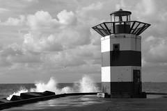 b/w lighthouse (osswald.heuft) Tags: lighthouse leuchtturm wolken clouds wellen waves denhaag netherlands thehague nature light sunlight