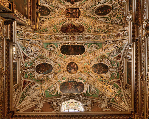 "Basilica di Santa Maria Maggiore, Bergamo Citta Alta • <a style=""font-size:0.8em;"" href=""http://www.flickr.com/photos/74375651@N05/29357400906/"" target=""_blank"">View on Flickr</a>"
