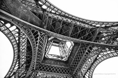 #eiffeltower #monochrome #cliche (jev) Tags: blackandwhite paris france geometric monochrome lines angle geometry eiffeltower wide wideangle concept conceptual concepts wate leicam9 trielmar161821mm