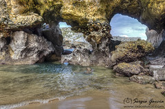 Asturias-1119 (sserrgio) Tags: españa mar hdr llanes roca ola villanueva principadodeasturias cuevasdelmar