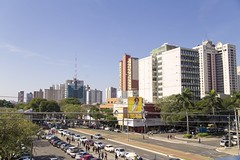Avenida Brasil (Rodrigo Nasper) Tags: paran avenue street avenida calle cars city centro prdios buildings cladirea sul arhitectura brazilia ora cldiri