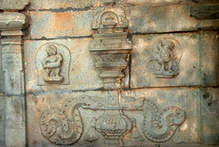 Carvings of Artists (VinayakH) Tags: halasurusomeshwaratemple bangalore india ulsoor chola vijayanagaraempire kempegowda hindu shiva temple hinduism