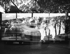 3x (Christian Gttner) Tags: analog analogue agfa agfaapx zenzabronica etrs ecodeveloper europa film fahrzeug ford fordsmax volvo volvo940 outdoor kamera monochrome mediumformat mittelformat moerschecodeveloper niemcy nrw blackandwhite bw czarnobiale camera car 6x45 120 schwarzweis schwarzweisfotografie sw svartvitt deutschland germany rollfilm tyskland multipleexposure