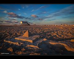 SPO Pyramide (geka_photo) Tags: gekaphoto spo stpeterording schleswigholstein deutschland pyramide sand strand abendstimmung goldenestunde pfahlbauten