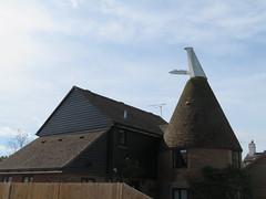UK - Kent - Near Staplehurst - Converted oast house (JulesFoto) Tags: uk england kent centrallondonoutdoorgroup clog staplehurst oasthouse