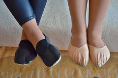 Dvojka (Merman cvičky) Tags: cvičky piškoty gymnastic slippers gymnastikschuhe schläppchen turnschläppchen gym shoe gymnasticshoes gymnasticslippers zapatillas cvicky slipper täppeli gymnastiktoffel gymnastikslipper balletslippers ballettschläppchen ballet ballerinas ballettschuhe ballettschuh punčocháče pantyhose strumpfhosen strumpfhose tights collants medias collant socks nylons socken nylon spandex elastan lycra