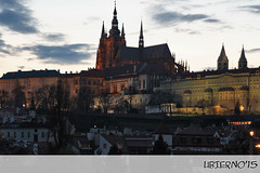 The Cathedral of San Vito from the Mnesv bridge (Ubierno) Tags: bridge st puente europa europe prague eu prag praha praga tschechien most czechrepublic oldcity vitus praag prga rpubliquetchque ue  repblicacheca  starmsto ciudadvieja chequia   eskrepublika tnskchrm catedraldesanvito  katedrlasvathovta   chrmsvathovta kostelmatkybopedtnem ekcumhuriyeti ubierno tsjechischerepubliek   csehkztrsasg    cathedralmal stranacastlecastillopalacepalaciomnesv