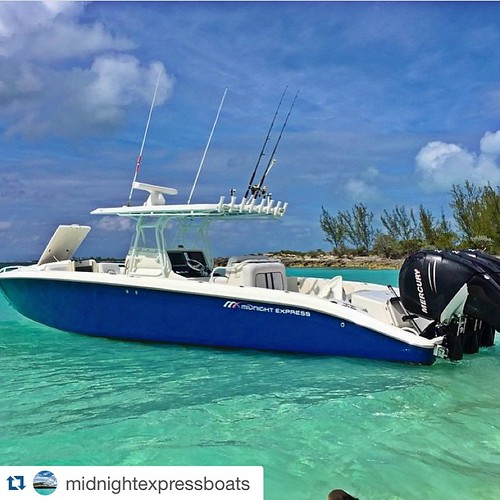#Repost @midnightexpressboats with @repostapp. ・・・ Another great Bahamas photo of a Midnight Express 39' Cuddy by @originalgangster26