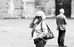 ???? (Claudio Taras) Tags: street shadow portrait people bw sunglasses monocromo nikon bokeh persone monochrom claudio biancoenero trier taras streetshot contrasto occhialidasole 35mm18