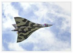 Avro Vulcan XH558 (alone68) Tags: canon airshow vulcan avro manston