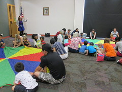 Parachute Party @ Haggard Library 8/11/16 (plano.library) Tags: preschool earlylearning earlyliteracy parachute plano library libraries libraryprogram haggardlibrary ppl planopubliclibrary
