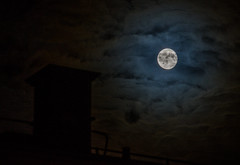 _DSC3806 (nelsing) Tags: moon gteborg sweden gothenburg sverige frlunda mne gnglten