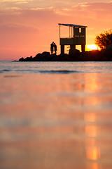 amores anônimos (corbata1982) Tags: sunset sun love sol praia beach water rio água backlight contraluz couple amor casal rs itapuã guaíba pds