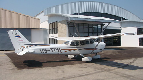 Cessna 172R HS-TPH-01 Hua Hin 14Jan10