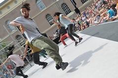 Compagnie Dyptik - D - Construction (c) Henry Krul (19) (Henry Krul) Tags: dance construction outdoor d henry op hip hop dans krul deventer straattheater streettheatre 2016 stelten dyptik
