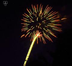 2015 SDC Fireworks (DGS Photography) Tags: missouri branson fireworks blast sky night silverdollarcity red yellow starburst greatphotographers