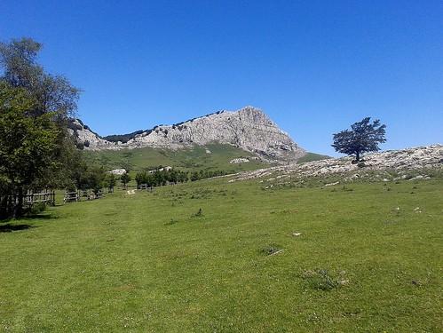 Peña Lekanda (1.309 m.) vista desde Arraba