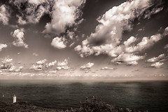 FaroGorliz (Kepa.) Tags: faro clouds sky ligthouse luz tarde noche