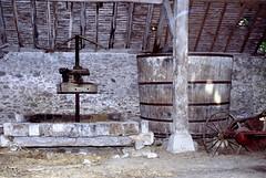 Besson (Allier) (Cletus Awreetus) Tags: france auvergne allier besson chais pressoir cuve viticulture pillier bois charpente architecture
