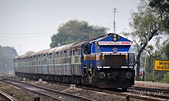 22187 Bhopal Habibganj - Jabalpur Intercity Express (CHIRAG SAGAR) Tags: its moving power destination express bound et towards intercity bhopal jn emd jabalpur jbp 22187 40062 habibganj wdp4b itarsis