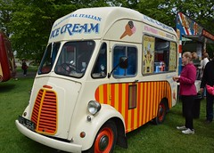 1960 Morris Commercial J (JB) Type Ice Cream Van KFL954 (Stuart Axe) Tags: icecreamvan van icecream morris classicvan classic maldon essex uk england gb unitedkingdom 1960 morrriscommercial jtype jbtype jb morrisjtype kfl954 greatbritain countyofessex