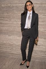 Demi Moore 2 (drno_manchuria (simonsaw)) Tags: demimoore actress actriz traje camisa corbata tie suit shirt necktie terno suitup menswear silver plateada knot nudo gravata cravata kravata krawatta pantalones negro black encorbatada