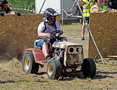 drag022 (minitmoog) Tags: dragrace grass dragracing sleds snowmobiles skoter veteran vintage lycksele