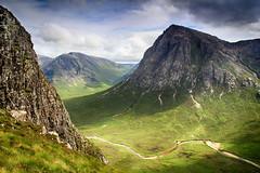 Rocky peaks, grassy valleys (OutdoorMonkey) Tags: buachailleetivemor glencoe scotland landscape mountain valley mountainside hillside beinnachrulaiste creise rivercoupall peak summit munro