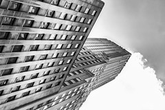 Reach the sky (_Sylvian) Tags: city nyc urban blackandwhite bw usa newyork building architecture manhattan skyscrapper