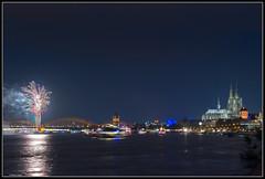 Klner Lichter / Fireworks on the Rhine (rapp_henry) Tags: city night river lights nikon cathedral nacht kathedrale cologne kln firework stadt fluss rhine rhein lichter d800 feuerwerk earthnight nikon2470mm28