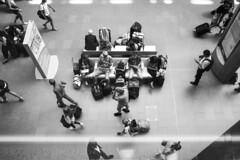 201/366 - Travelers (AimenBenfika) Tags: b people blackandwhite bw london underground candid streetphotography stpancras