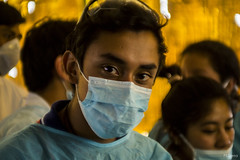 Practicas (sierramarcos14695) Tags: medicina universidad escuela practicas cunoc usac bata quirurgica tapa bocas retrato hombre minolta rokkor mc estudiante sony a58 quetzatenango guatemala