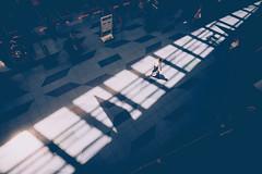 2016140 (gwagwa) Tags: shadow light japan japanese woman airport nikkor 20mm f28s street
