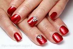 red_rivet_nails_2 (-Yue) Tags: nails nail art red rivets studs england perceval