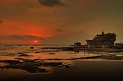 Sunset (chew hon keong) Tags: sunset tanahlot bali indonesia temple beach sea