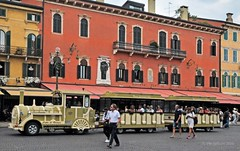 Verona Touring street train (Vee living life to the full) Tags: verona italy travel tourism fountain palazzo barbieri bikes cafes coffee gravity water juliet house coliseum nikond300 leger tours coach