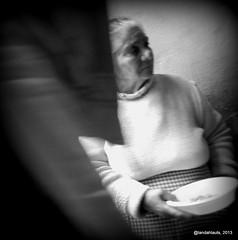 Seora (Landahlauts) Tags: street people calle andaluca mujer europa europe homeless stranger andalucia granada andalusia andalusien desconocido streetshot pobreza andalusie andaluz extrao fotosrobadas alandalus andaluzia robado   anonimos albayzin streeshot  andaluzja robandoalmas stealingsouls andaluzio                  andalouzia andalusiya