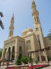 De Jumeirah Mosque (MTTAdventures) Tags: garden mosque koepel minaretten