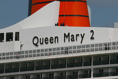 Queen Mary II, Southampton, May 2nd 2009 (Suburban_Jogger) Tags: queenmary2 queenmaryii qm2 cunard carnivalcruises southamptonwater hythe hampshire 2009 may spring caon 10d 24105mm passenger travel public transport ship cruise liner water sea ocean