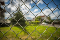 Happy Fence Friday (ChrisTalentfrei) Tags: summer sky blur tree fence happy blurry dof bokeh pov background sommer sony himmel sigma wideangle 20mm alpha f18 friday zaun couds a7 adapted amount woken hff bokehlicious laea4