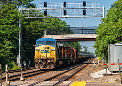 Greetings from Hindsdale (Wheelnrail) Tags: bnsf csx csxt 9007 hindsdale highlands racetrack chicago subdivision oil train signals ge c408w station metra