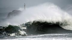 MOURO LIGHTHOUSE / 7919DSC (Rafael Gonzlez de Riancho (Lunada) / Rafa Rianch) Tags: cantabria espaa santander spain tormenta temporal waves water olas storm agua lighthouse faro farolo mouro