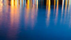 Un mare di luci. (an.thoniee) Tags: mare blu acqua luce riflessi sera colori linee astratto sea blue water lights reflection evening colours light abstract nikond5500